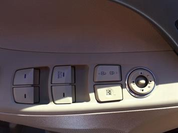 2013 Hyundai Elantra Limited - Photo 21 - Cincinnati, OH 45255
