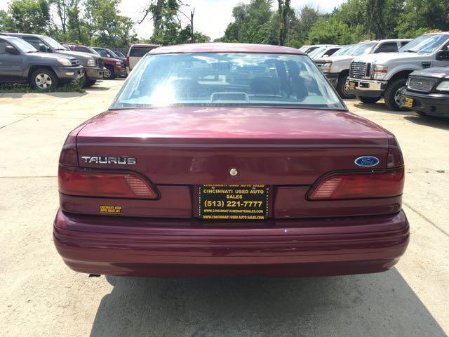 1993 Ford Taurus GL - Photo 5 - Cincinnati, OH 45255
