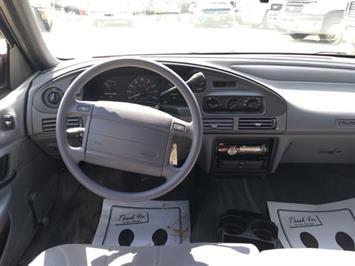 1993 Ford Taurus GL - Photo 7 - Cincinnati, OH 45255