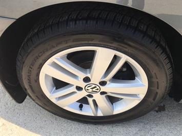 2013 Volkswagen Jetta Hybrid SEL - Photo 39 - Cincinnati, OH 45255