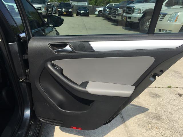 2013 Volkswagen Jetta Hybrid SEL - Photo 33 - Cincinnati, OH 45255