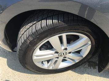 2013 Volkswagen Jetta Hybrid SEL - Photo 36 - Cincinnati, OH 45255