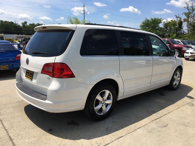 2011 Volkswagen Routan SE - Photo 6 - Cincinnati, OH 45255