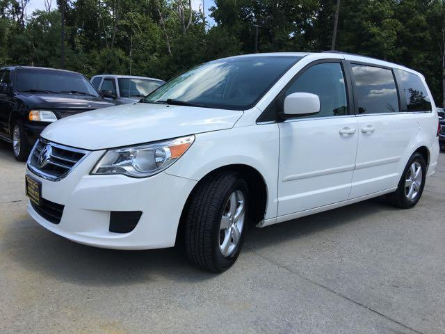 2011 Volkswagen Routan SE - Photo 12 - Cincinnati, OH 45255