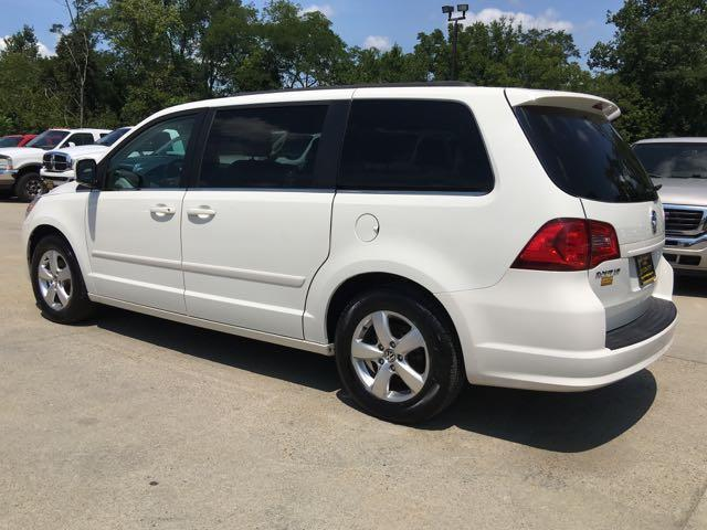 2011 Volkswagen Routan SE - Photo 4 - Cincinnati, OH 45255