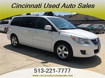 2011 Volkswagen Routan SE - Photo 1 - Cincinnati, OH 45255