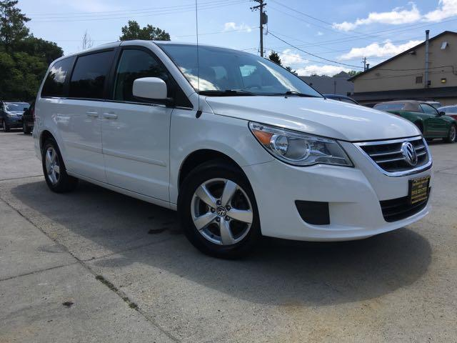 2011 Volkswagen Routan SE - Photo 11 - Cincinnati, OH 45255