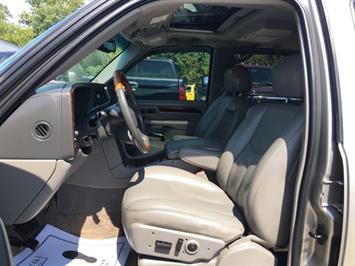 2003 Cadillac Escalade ESV - Photo 15 - Cincinnati, OH 45255
