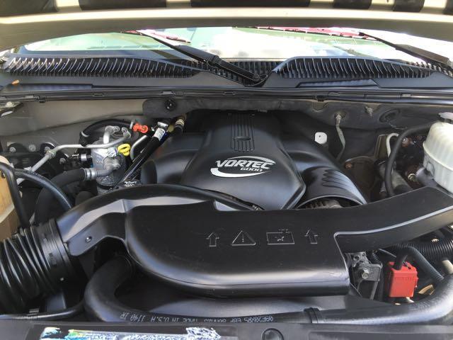 2003 Cadillac Escalade ESV - Photo 33 - Cincinnati, OH 45255