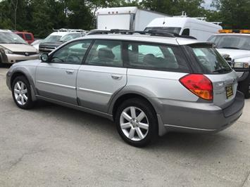 2006 Subaru Outback 2.5i Limited - Photo 4 - Cincinnati, OH 45255