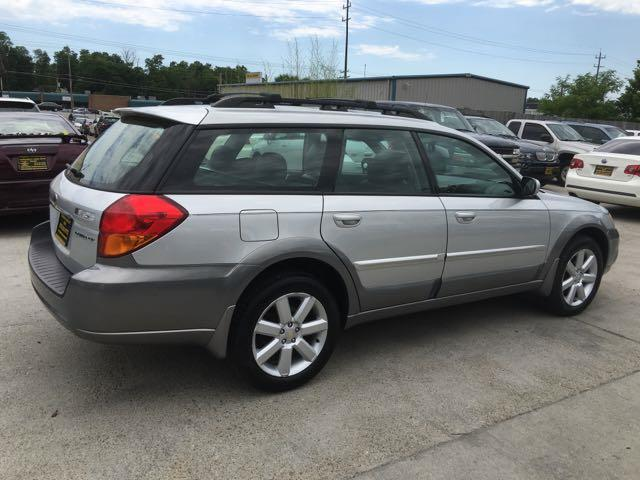 2006 Subaru Outback 2.5i Limited - Photo 6 - Cincinnati, OH 45255