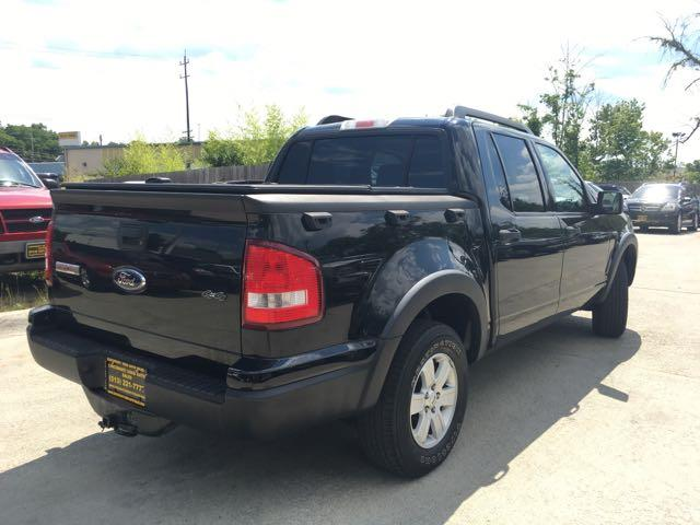 2008 Ford Explorer Sport Trac XLT - Photo 12 - Cincinnati, OH 45255