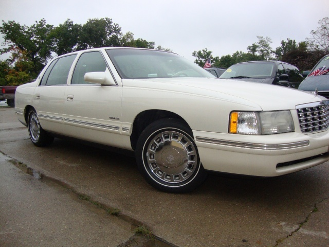1998 cadillac deville for sale in cincinnati oh stock. Black Bedroom Furniture Sets. Home Design Ideas