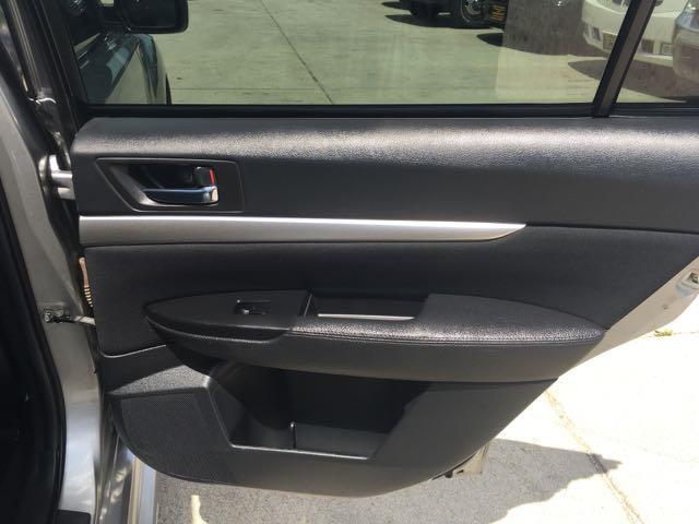 2011 Subaru Legacy 2.5i Premium - Photo 29 - Cincinnati, OH 45255