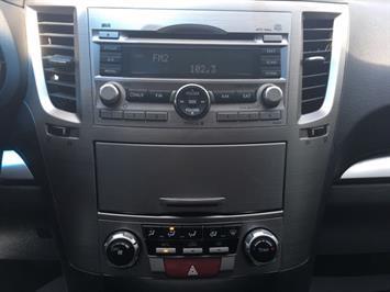 2011 Subaru Legacy 2.5i Premium - Photo 18 - Cincinnati, OH 45255