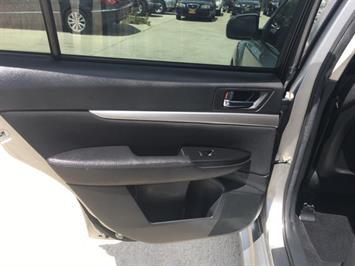2011 Subaru Legacy 2.5i Premium - Photo 26 - Cincinnati, OH 45255