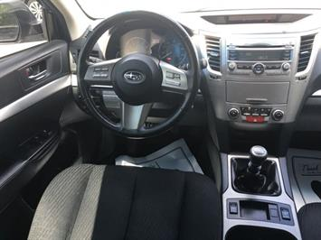 2011 Subaru Legacy 2.5i Premium - Photo 7 - Cincinnati, OH 45255