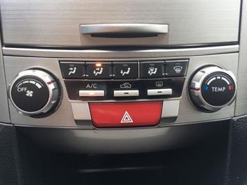 2011 Subaru Legacy 2.5i Premium - Photo 20 - Cincinnati, OH 45255