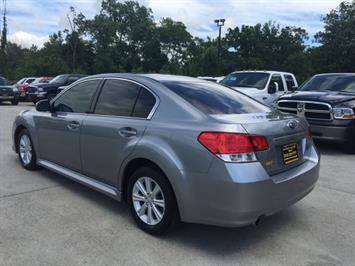 2011 Subaru Legacy 2.5i Premium - Photo 4 - Cincinnati, OH 45255