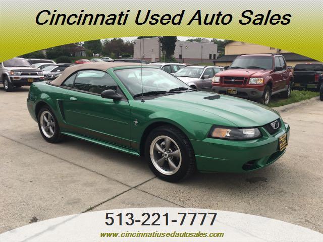 2001 Ford Mustang Convertible - Photo 1 - Cincinnati, OH 45255