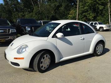 2010 Volkswagen Beetle - Photo 11 - Cincinnati, OH 45255