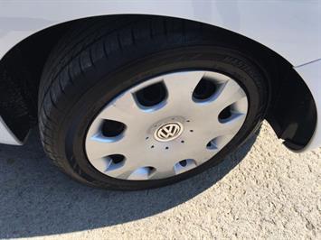 2010 Volkswagen Beetle - Photo 25 - Cincinnati, OH 45255
