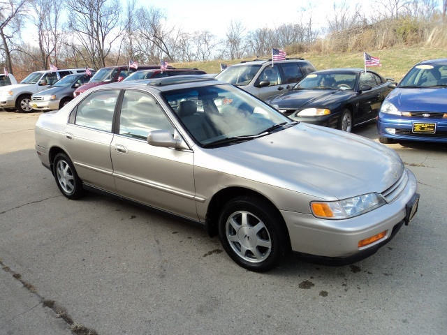 1995 honda accord ex for sale in cincinnati oh stock. Black Bedroom Furniture Sets. Home Design Ideas