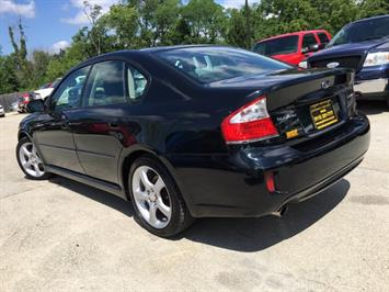 2009 Subaru Legacy 2.5i Special Edition - Photo 12 - Cincinnati, OH 45255