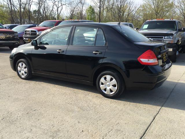 2009 Nissan Versa 1.6 Base - Photo 4 - Cincinnati, OH 45255