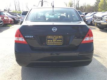 2009 Nissan Versa 1.6 Base - Photo 5 - Cincinnati, OH 45255