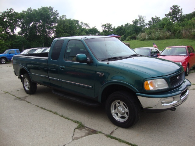 1998 ford f 150 xlt for sale in cincinnati oh stock. Black Bedroom Furniture Sets. Home Design Ideas