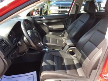 2010 Volkswagen Jetta Wolfsburg Edition PZEV - Photo 14 - Cincinnati, OH 45255