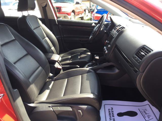 2010 Volkswagen Jetta Wolfsburg Edition PZEV - Photo 8 - Cincinnati, OH 45255