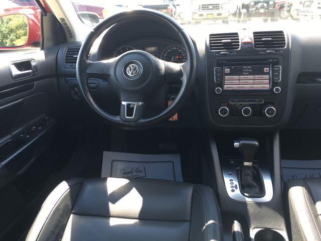 2010 Volkswagen Jetta Wolfsburg Edition PZEV - Photo 7 - Cincinnati, OH 45255
