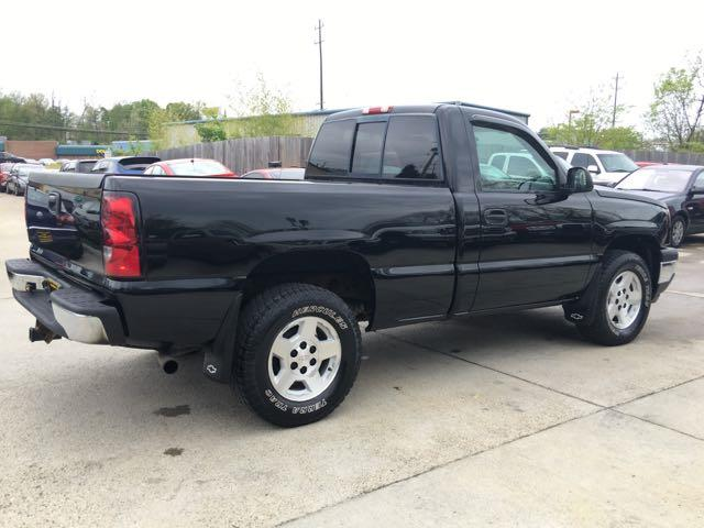 2006 Chevrolet Silverado 1500 LS 2dr Regular Cab - Photo 6 - Cincinnati, OH 45255