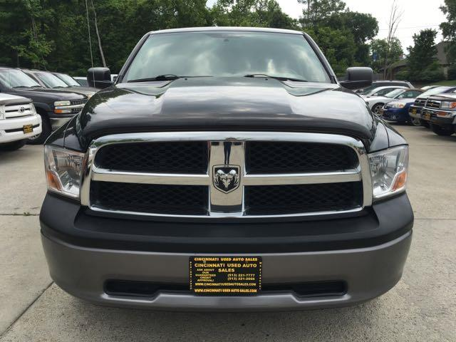 2009 Dodge Ram 1500 ST - Photo 2 - Cincinnati, OH 45255