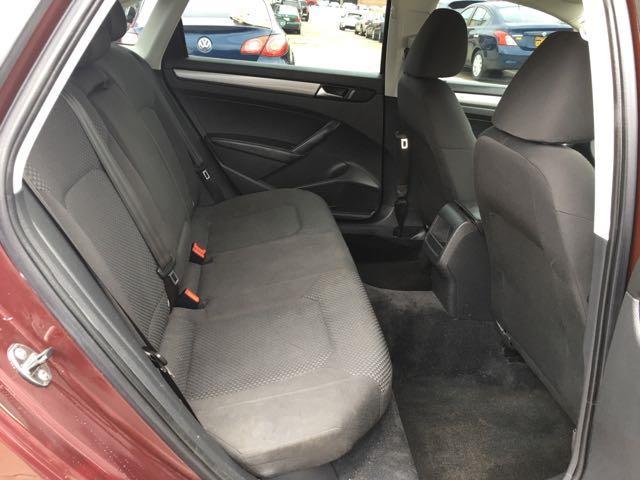 2012 Volkswagen Passat S - Photo 9 - Cincinnati, OH 45255