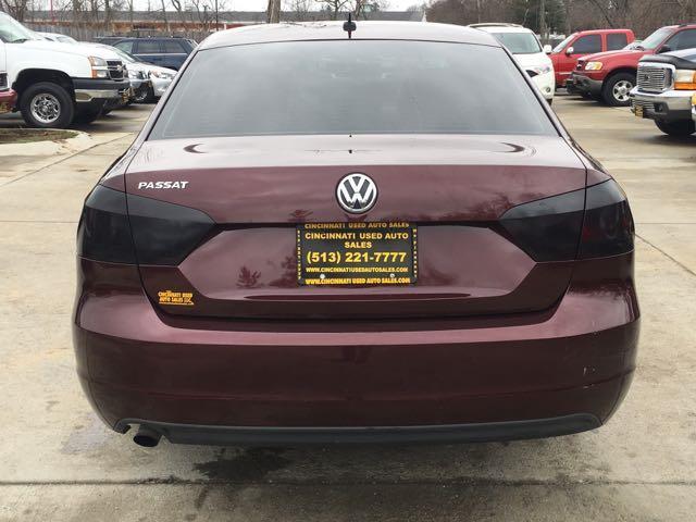 2012 Volkswagen Passat S - Photo 5 - Cincinnati, OH 45255