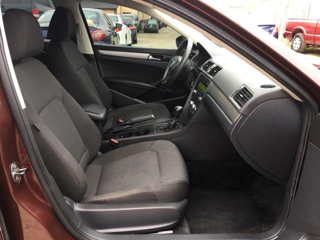 2012 Volkswagen Passat S - Photo 8 - Cincinnati, OH 45255