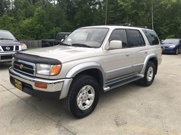 1998 Toyota 4Runner Limited 4dr Limited - Photo 3 - Cincinnati, OH 45255