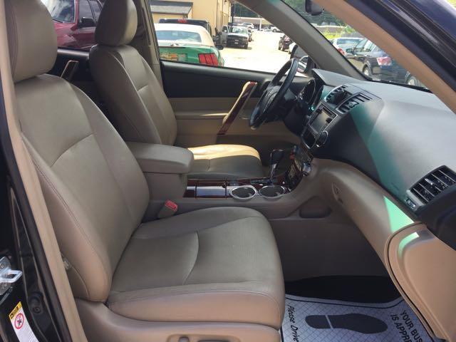 2013 Toyota Highlander Hybrid Limited - Photo 8 - Cincinnati, OH 45255