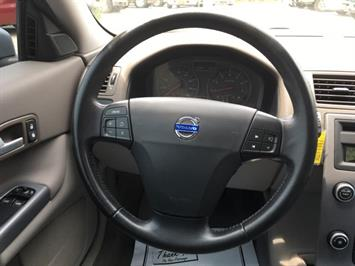 2008 Volvo C30 T5 Version 1.0 - Photo 17 - Cincinnati, OH 45255