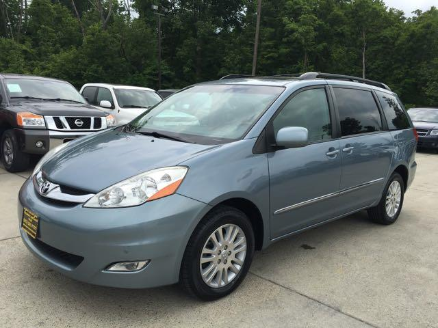 2010 Toyota Sienna XLE Limited - Photo 3 - Cincinnati, OH 45255