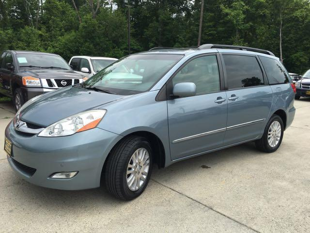 2010 Toyota Sienna XLE Limited - Photo 11 - Cincinnati, OH 45255