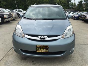 2010 Toyota Sienna XLE Limited - Photo 2 - Cincinnati, OH 45255