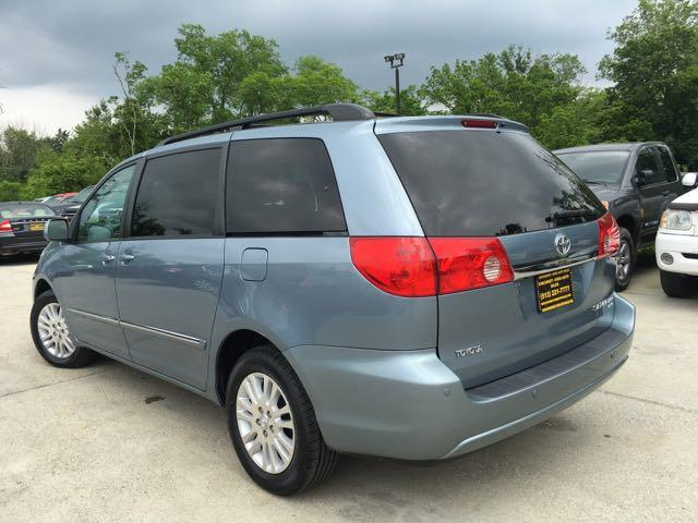 2010 Toyota Sienna XLE Limited - Photo 14 - Cincinnati, OH 45255