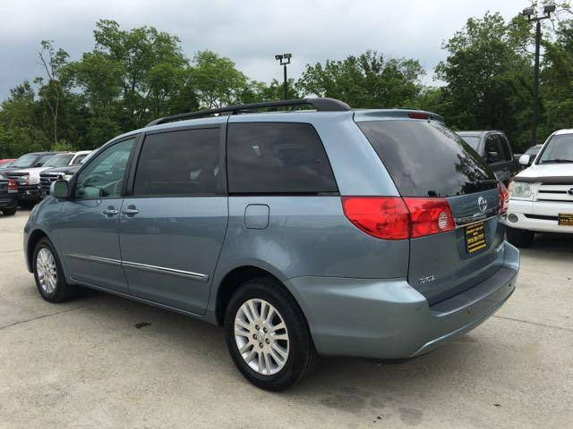 2010 Toyota Sienna XLE Limited - Photo 4 - Cincinnati, OH 45255