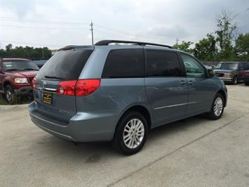 2010 Toyota Sienna XLE Limited - Photo 6 - Cincinnati, OH 45255