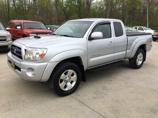 2005 Toyota Tacoma V6 4dr Access Cab - Photo 3 - Cincinnati, OH 45255