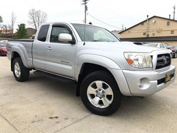 2005 Toyota Tacoma V6 4dr Access Cab - Photo 10 - Cincinnati, OH 45255